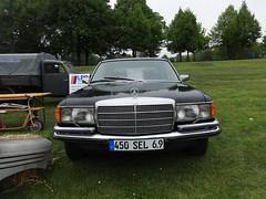 1978 Oberklasse-Limousine Mercedes-Benz 450 SEL 6.9 (W116) von Daimler-Benz Elbauenpark Herrenkrugstraße in 39114 Magdeburg-Herrenkrug (Bergfels) Tags: super ps magdeburg mercedesbenz 1978 nm magnus limousine v8 bosch m100 kw fahrzeug losthighway maschine ccm dba brd davidlynch 4x2 masse youngtimer geschwindigkeit daimlerbenz pkw liebling cui madeingermany beschriftet drehmoment elbauenpark hubraum w116 leistung 450sel69 herrenkrug 39114 8zylinder mreddy beschleunigung 450sel oberklasse 1970er viertakt 19751980 achtzylinder kraftstoffverbrauch technischesdenkmal kjetronic vmotor bergfels 20jh herrenkrugstrase produktionszeitraum grosemaschine zweiachsig innengeräusch radformel produziertestückzahl zylinderhubraum trockensumpf filmdarsteller
