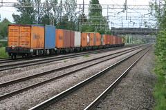 Freightliner 70020 @ Coppenhall - Crewe (uksean13) Tags: train canon cheshire transport rail railway crewe freight freightliner ef28135mmf3556isusm 400d 70020 coppenhall