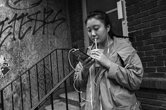 10th St. near Arch St., 2016 (Alan Barr) Tags: street people blackandwhite bw philadelphia monochrome mono blackwhite chinatown arch candid streetphotography sp streetphoto gr ricoh 10thstreet 2016