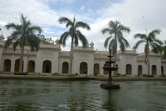 Fountain in the courtyard (VinayakH) Tags: india gardens royal palace hyderabad royalpalace nizam telangana chowmahallapalace