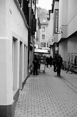 Street (Ursus Bear) Tags: canon eos 650 analog ef 3570 f3545 ilford xp2 400 35mm 135 monochrome bw blackwhite black white film monochromatic blackandwhite mono chrome ilfordxp2400super bwfp people woman selfie road architecture outdoor man men women