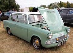 BPO 840B (Nivek.Old.Gold) Tags: 1964 ford anglia 105e 997cc