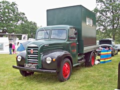 515 Fordson Thames ET6 4D (1953) (robertknight16) Tags: ford thames 1950s british fordson astlepark 807uxu