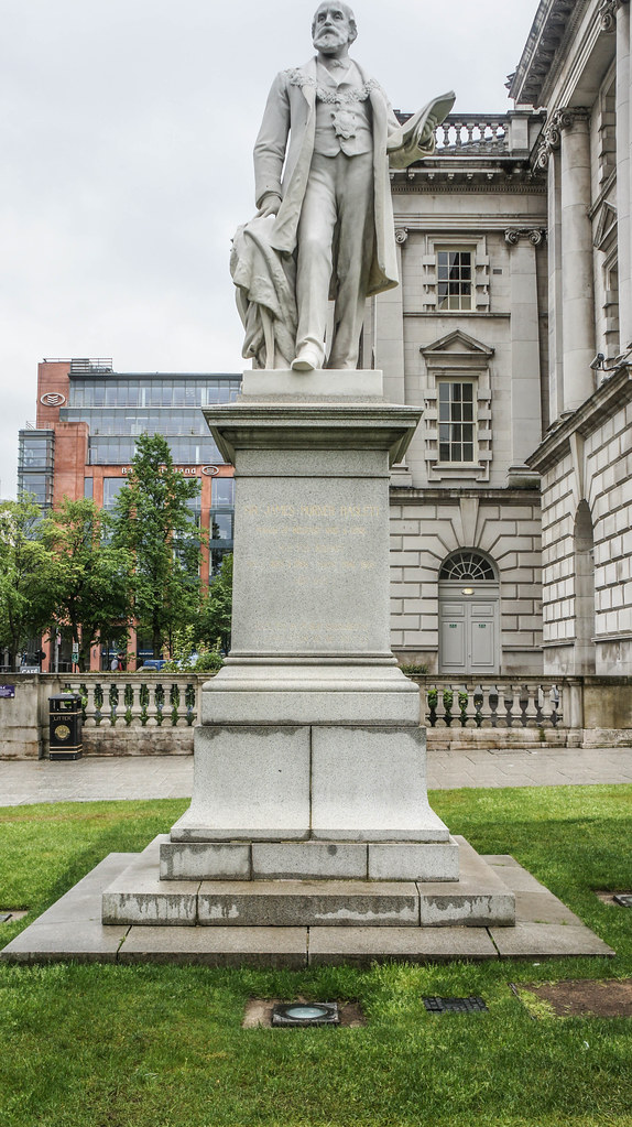 A VISIT TO BELFAST CITY HALL [ MAY 2015] -104737