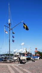 Mast with flag (blondinrikard) Tags: gteborg harbor harbour flag mast swedishflag hamn flagga svenskaflaggan packhusplatsen