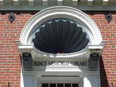 Prince Memorial Library (Cumberland, ME) (ReadsInTrees) Tags: reading book community library libraries maine books bookworm publiclibraries libraryproject bucketlist mainelibraries publiclibrariesofmaine