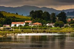 _DSC4007 (allabar8769) Tags: agua rboles paisaje montaa casas cicero cantabria reflejos vegetacin marismas