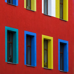 eight windows (Blende1.8) Tags: facade fassade rot rote red fenster windows bunt farbig vivid urban gebude building architecture architektur berlin colourful yellow blue green carstenheyer square quadratisch quadrat outdoor
