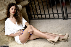michela_DSC9452modfirma (manuele_pagani) Tags: portrait beautu curly hair ritratto white dress outfit outdoor