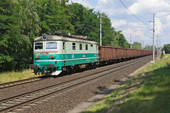 122055 Chvaletice (Gridboy56) Tags: railroad electric train europe czech cd trains locomotive railways locomotives skoda 122 railfreight chvaletice 122055 cdcargo