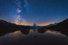 Milky Matterhorn (m_haefeli) Tags: schnee mountain snow mountains reflection classic night way stars schweiz switzerland nikon nightshot nacht swiss wideangle zermatt matterhorn nikkor stern milky spiegelung starry nachtaufnahme milkyway shootingstar klassiker milchstrasse sternenhimmel majesttisch stellisee sternschnuppen 1024mm hrnlihtte d7200