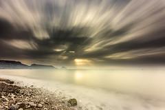 Fuga de nubes al amanecer (canonixus1) Tags: amaneceralgar canonixus1 canon6d canon1740 cielo sky nubes clouds fuga largaexposicion longexposoure filtros filter firecrest