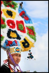 Danza de la Pluma - Penacho (R-MeGa) Tags: portrait méxico retrato danza colores oaxaca mx canoneos fci azteca guelaguetza mixteco 70d danzadelapluma trajesregionales fotoclubingenieros efs18135mmf3556is canon70d fotoclubing