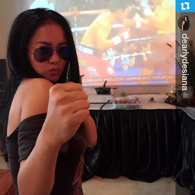 Lokasi Nobar: #OOT #Regram @dearlydesiana #NobarTinju ・・・ Pacman freak!! 👊👊👊👊 #sunday #mgm #vegas #nobar #fighting #pacman #mayweather