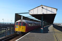 Ryde Pier Head 16 May 2015 (Southern Reg) Tags: isleofwight rydepierhead class483
