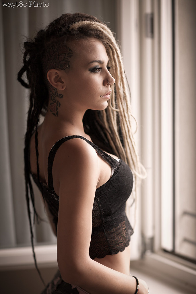 dreads hot girl boobs