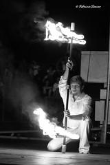 giochi di fuoco (sanino fabrizio) Tags: canon monocromo strada italia bn piemonte e di 1855 cuneo bianco nero fuoco giochi artista spettacolo mirabilia manifestazione fossano 550d