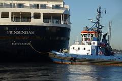 Prinsendam and Fairplay III DST_4957 (larry_antwerp) Tags: 8700280 prinsendam antwerptowage fairplayiii 9365116 antwerp antwerpen       port        belgium belgi          schip ship vessel        schelde