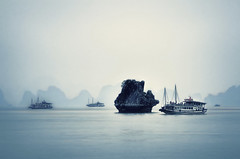Halong Bay 12 (Artypixall) Tags: vietnam halongbay gulfoftonkin haze junksboats limestoneislands worldheritagesite faa getty