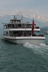 Schiff MS Stadt Thun und Schiff MS Berner Oberland ( Motorschiff - Kursschiff - Bateau - Ship - Baujahr 1996 - Lnge 57m - Passagiere 1000 ) auf dem Thunersee mit Blemlisalp ( Berg - Mountain ) in den Alpen - Alps im Berner Oberland im Kanton Bern der Sc (chrchr_75) Tags: christoph hurni schweiz suisse switzerland svizzera suissa swiss chrchr chrchr75 chrigu chriguhurni juni 2015 albumzzz201506juni juni2015 schiff kursschiff schiffahrt kursschiffahrt passagierschiffahrt passagierschiff skib ship alus bateau    schip fartyg barco albumschweizerkursschiffe chriguhurnibluemailch albumblemlisalp blemlisalp blemlisalpberg alpen alps berg mountain kantonbern berner oberland albumregionthunhochformat hochformat regionthun albumthunersee thunersee kanton bern berneroberland alpensee see lake lac s jrvi lago  thunhochformat
