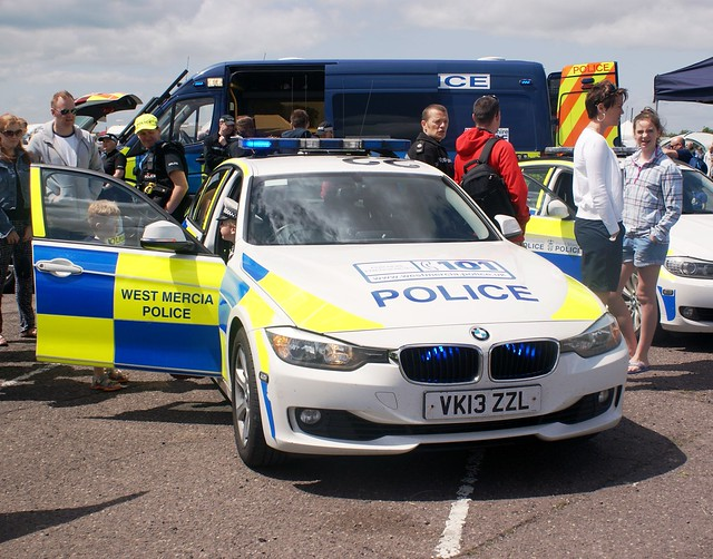 show cops police policecar bmw landrover discovery 3series copcar 2015 throckmorton emergencyservices emergencyvehicle 330d westmercia