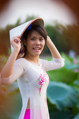 2282 (mapleal_2000) Tags: woman beauty women lotus vietnam beauties aodai hoasen