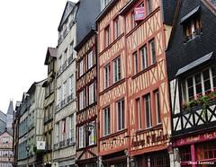 Rouen - Rue Martainville (JeanLemieux91) Tags: rouen hautenormandie normandie france juin junio june 2016 printemps primavera spring pluie lluvia rain anglonormand tudor
