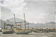 Asturias Beach (Maria Luiza S) Tags: texture textura asturias guaruja praia beach boast barcos botes