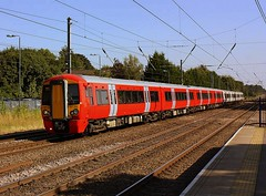 Unbranded at Harpenden (Chris Baines) Tags: class 387 emu harpenden thameslink service