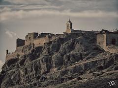 Castillo de Moya, Cuenca. (:) vicky) Tags: cuenca castillo flickrvicky flickr vickyepla vicky visionario olympus olympusdigitalcamera nubes montaa