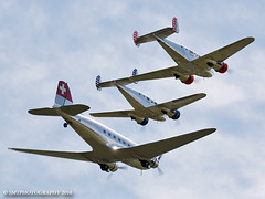 swiss-sun-1-1-1 (Stewart Taylor (SMT Photography)) Tags: flying flyingdisplay flyinglegends aviation airshow aircraft air airdisplay history historic photography photo nostalgia duxford iwm iwmduxford beech beech18 classic classicairliners 1930s douglasdc3 douglas dakota swiss swissair