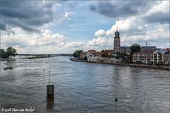 IJssel en Stad - Deventer (Hans van Bockel) Tags: nikon d7200 1680mm raw nef jpeg deventer ijssel rivier stad city binnenstad thenetherlands nld photoshop cs6 spoorbrug explore