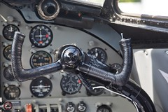 "De Havilland D.H.104 Dove D-INKA ""cockpit"" (foto-metkemeier.net) Tags: ltuclassics dinka dehavillanddove luftbilderruhrgebiet luftbilderduisburg luftbilderessen luftbildercrangerkirmes crangevonoben rundflug ruhrgebiet"