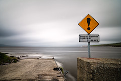 Slippery when wet (YaYapas) Tags: warning d7100 warnung tokina1116 irland jetty 11mm steg nd110 longtimeexposure langzeitbelichtung bwnd110 countykerry ie
