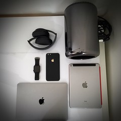 Family portrait (Bob Jouy) Tags: apple studio mac tech watch pro wireless setup bluetooth beats retina iphone ipad 2015 applewatch macbook air2 macpro 6plus