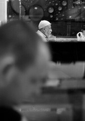 Two faces - Mall View Palace Restaurant, Al Barsha, Dubai, UAE (kadryskory) Tags: people kadraskory uae dubai albarsha city urban street restaurant faces night intothenight bw bnw travel trip