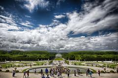 Parque de Versalles... | Park of Versailles... (maf.mendoza) Tags: travel viaje sky people paris france color clouds garden landscape nikon gente fuente jardin paisaje symmetry versailles cielo font nikkor francia hdr nube versalles simetria airelibre nikond7200 nikkorafsdx1680mmf284eedvr