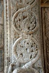 Carvings at the Temple Gate (VinayakH) Tags: halasurusomeshwaratemple bangalore india ulsoor chola vijayanagaraempire kempegowda hindu shiva temple hinduism