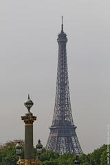 La tour Eiffel (Rick & Bart) Tags: paris france city urban rickvink rickbart canon eos70d latoureiffel streetlight lamppost