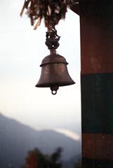 [bell] (tyronerodovalho1) Tags: india indian himalaia mountains moutain rishikeshi uttarakhand ganges river travel life bell