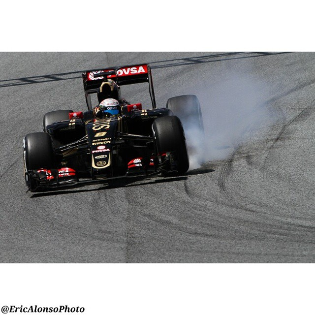 @ericalonsophoto 2015 Spanish GP 8 - 10 May 2015 Barcelona @circuitdebcncat #8 Romain Grosjean Lotus F1 Team Photographer: Eric Alonso (@ericalonsophoto) Facebook: Eric Alonso Photography Twitter: @ericalonsophoto #F1 #Barcelona #Spain by motorsport_photo