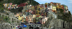Day 1: Colourful houses of Manarola (Gregor  Samsa) Tags: houses italy cliff house colors easter walking march town nationalpark colorful italia colours village hiking path walk liguria ligury hike trail terre cinqueterre colourful footpath manarola cinque settlement clifftop