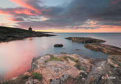 Bath House Sunset (carmellestewarthook) Tags: howick bath house sunset seascape sea rocks northumberland lee 70d