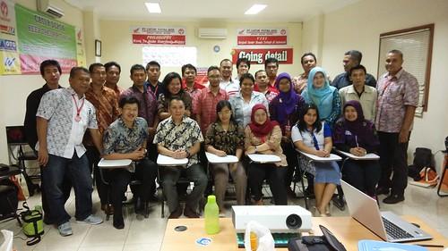"Catur Putra Jaya, dealer motor Honda. Membekali peserta untuk menjadi seorang Internal Auditor • <a style=""font-size:0.8em;"" href=""http://www.flickr.com/photos/41601386@N04/28229782300/"" target=""_blank"">View on Flickr</a>"