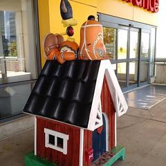 Ikea, Minneapolis. #snoopy #woodstock #minneapolis #minnesota #collectpeanuts #snoopygrams #snoopyfan #snoopylove #ilovesnoopy (collectpeanuts) Tags: collectpeanuts snoopy peanuts charlie brown