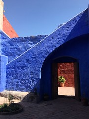 Arequipa, Peru (zzhing) Tags: red blue monastary santacatalina arequipa peru