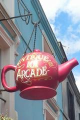 Antique 101 Arcade (mistigree) Tags: londres portobello portobellomarket nottinghill thire enseigne
