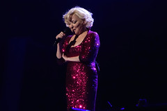 Bette Midler (smileybears) Tags: concert bettemidler performer philipsarena divineintervention thedivinemissm