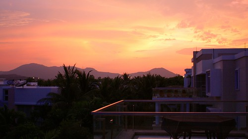 Hua Hin greeted us with some lovely sunsets