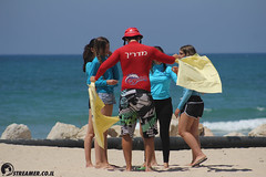 IMG_8729 (Streamer -  ) Tags: ocean sea people green beach nature students ecology up israel movement garbage sunday north group young cleanup clean teen shore bags  nonprofit streamer  initiative enviornment    ashkelon          ashqelon   volonteers      hofit